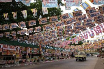 Como planificar una campaña electoral ganadora calle con carteles políticos